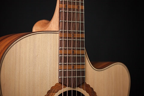 cole clark acoustic guitars australian made guitars cole clark guitars. Black Bedroom Furniture Sets. Home Design Ideas