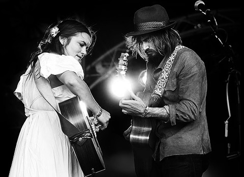 Angus and Julia Stone